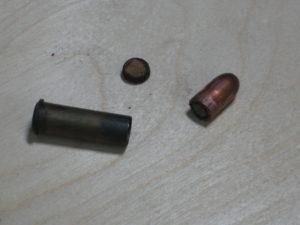 Les composants d'une cartouche de 8 mm 92.