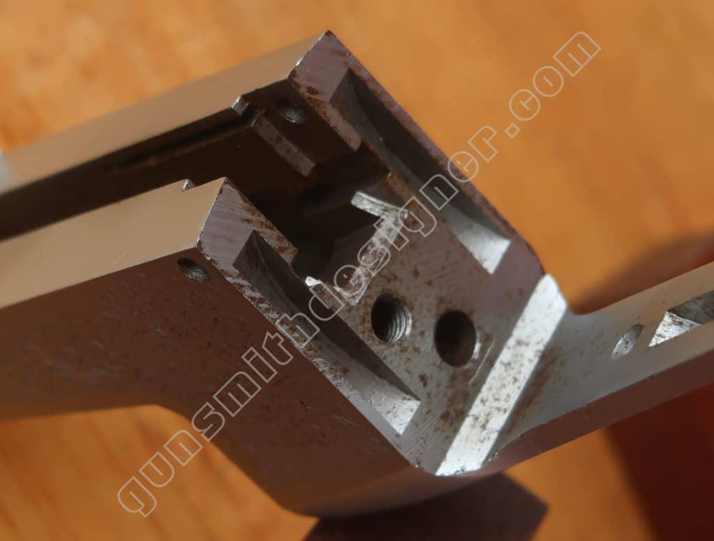 La face arrière de la bascule nue du mécanisme Pedretti.